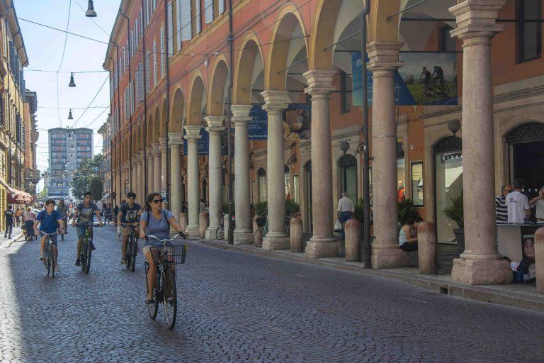 Via Emilia, Modena